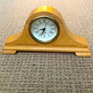 *NWOT* Westclox beige clock